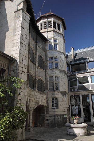 Photo du Monument Historique Hôtel des Ducs de Savoie situé à Belley