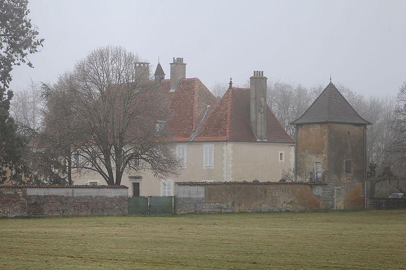 Photo du Monument Historique Château de Pennesuyt, dit aussi château de Loëze situé à Bourg-en-Bresse