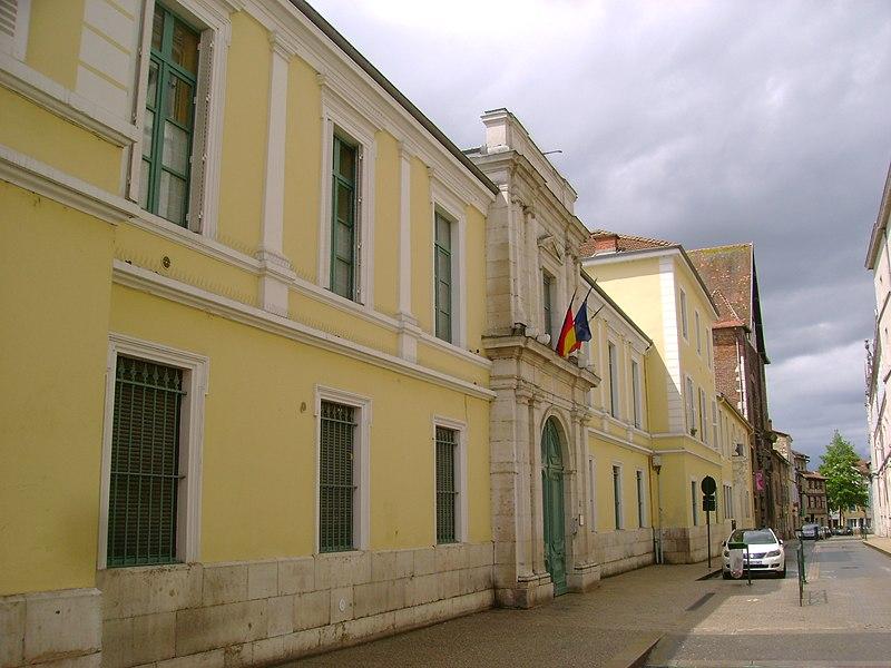 Photo du Monument Historique Collège des Jésuites situé à Bourg-en-Bresse