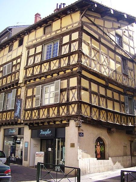 Photo du Monument Historique Maison de bois situé à Bourg-en-Bresse