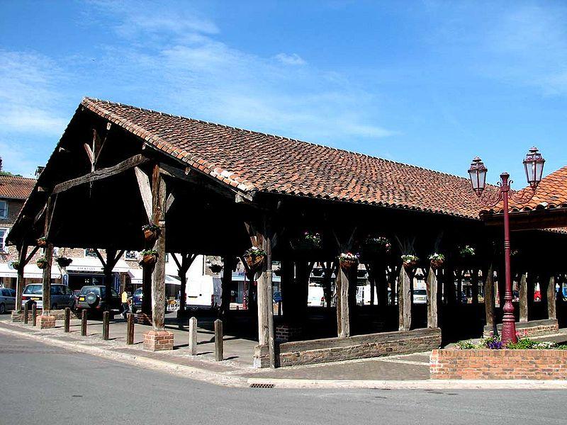 Photo du Monument Historique Halles situé à Châtillon-sur-Chalaronne