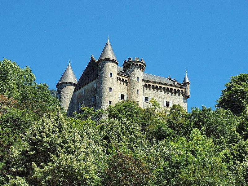 Photo du Monument Historique Château de Montveran situé à Culoz