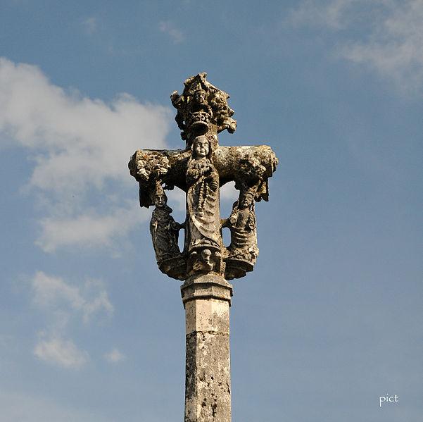 Photo du Monument Historique Calvaire de Dingier situé à Salavre