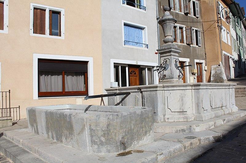Photo du Monument Historique Fontaine situé à Gex
