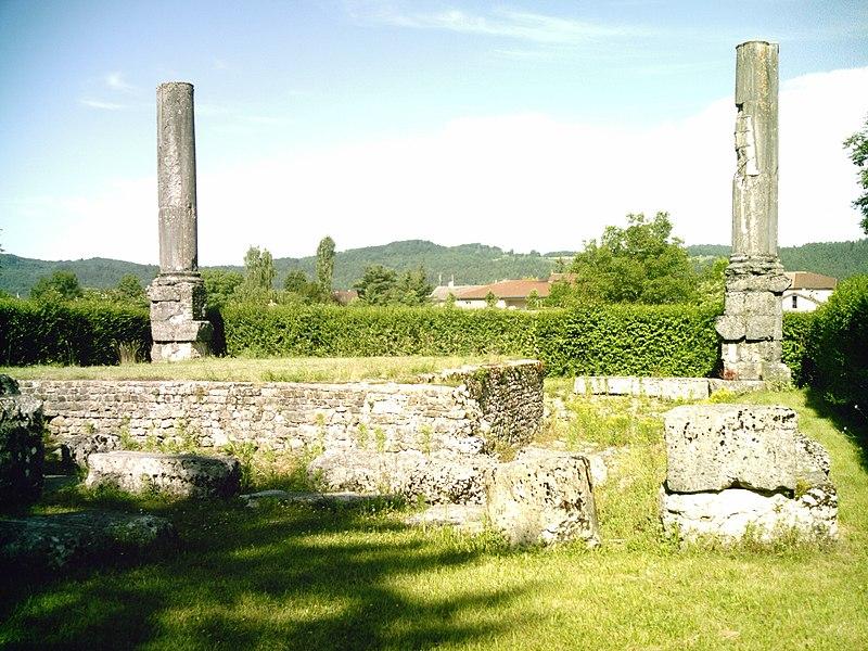 Photo du Monument Historique Ruines du temple romain situé à Izernore