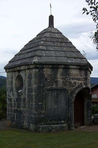 Photo du Monument Historique Chapelle Sainte-Claire ou des Rochers situé à Maillat