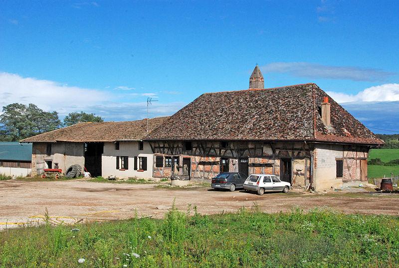 Photo du Monument Historique Ferme de la Servette situé à Saint-Trivier-de-Courtes