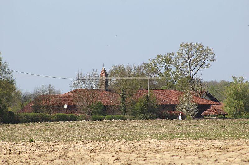Photo du Monument Historique Ferme du Tremblay situé à Saint-Trivier-de-Courtes