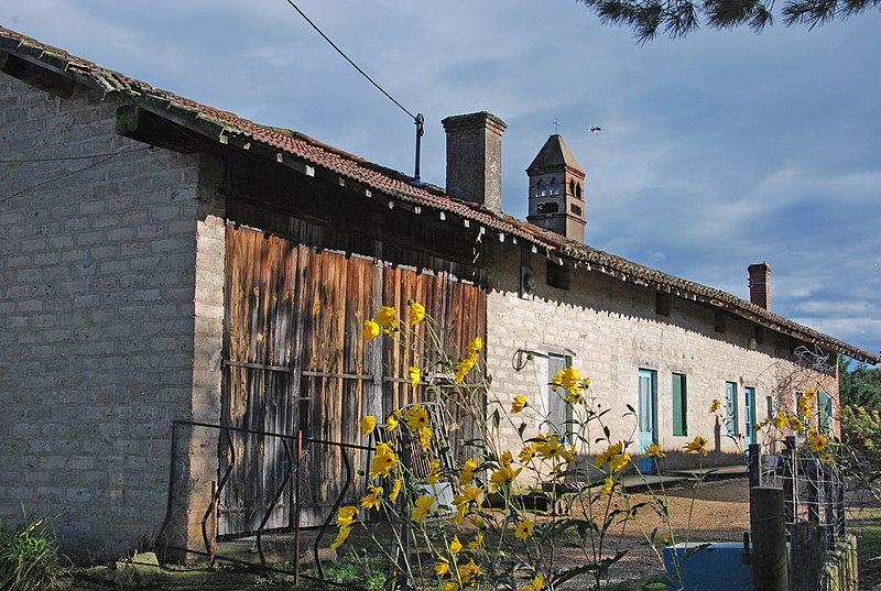 Photo du Monument Historique Ferme de Loscelle situé à Vescours