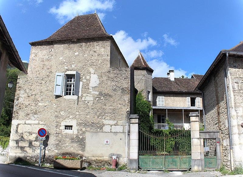 Photo du Monument Historique Château d'Honoré d'Urfé situé à Virieu-le-Grand