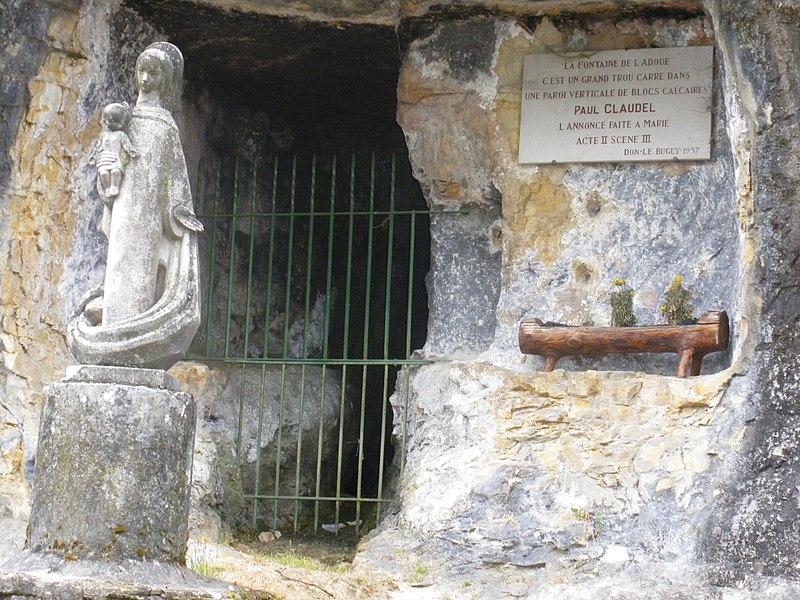 Photo du Monument Historique Aqueduc romain situé à Vieu
