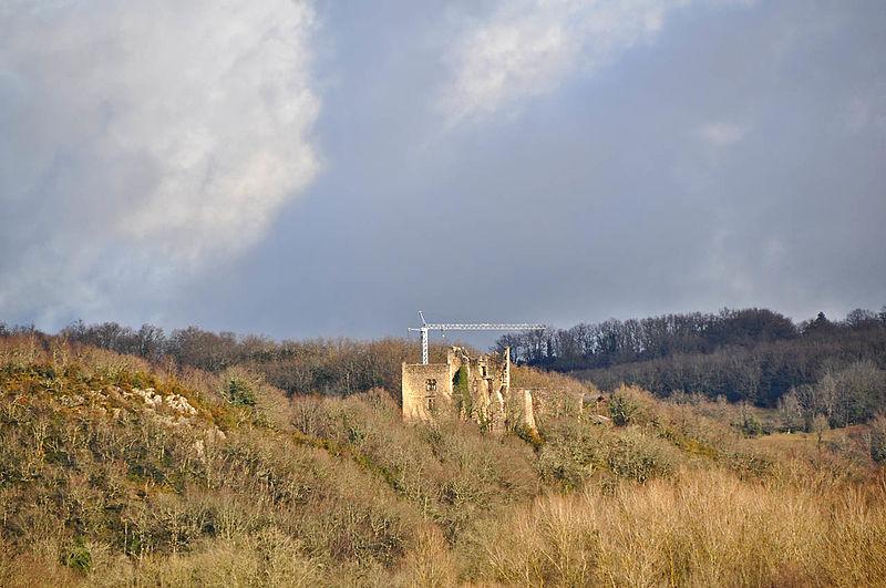 Photo du Monument Historique Château de Beauretour situé à Saint-Germain-les-Paroisses