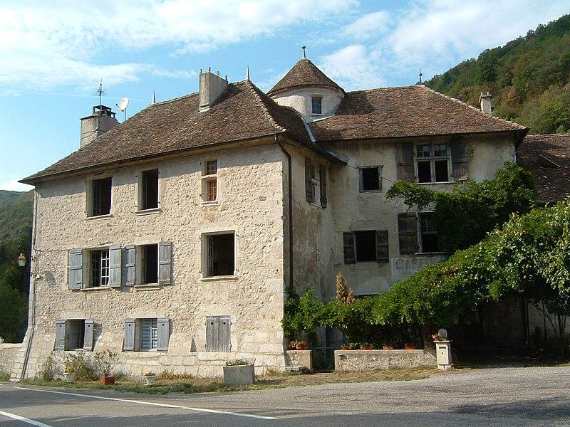 Photo du Monument Historique Manoir de La Forest situé à Rossillon