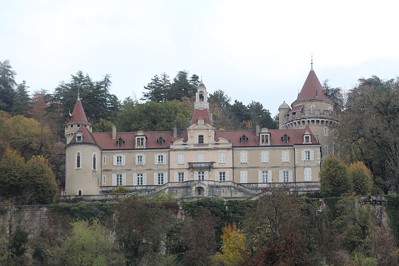 Photo du Monument Historique Château de Machuraz situé à Vieu