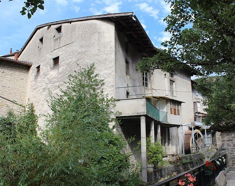 Photo du Monument Historique Moulin à farine situé sur le cours de la rivière dénommée La Suisse situé à Cerdon