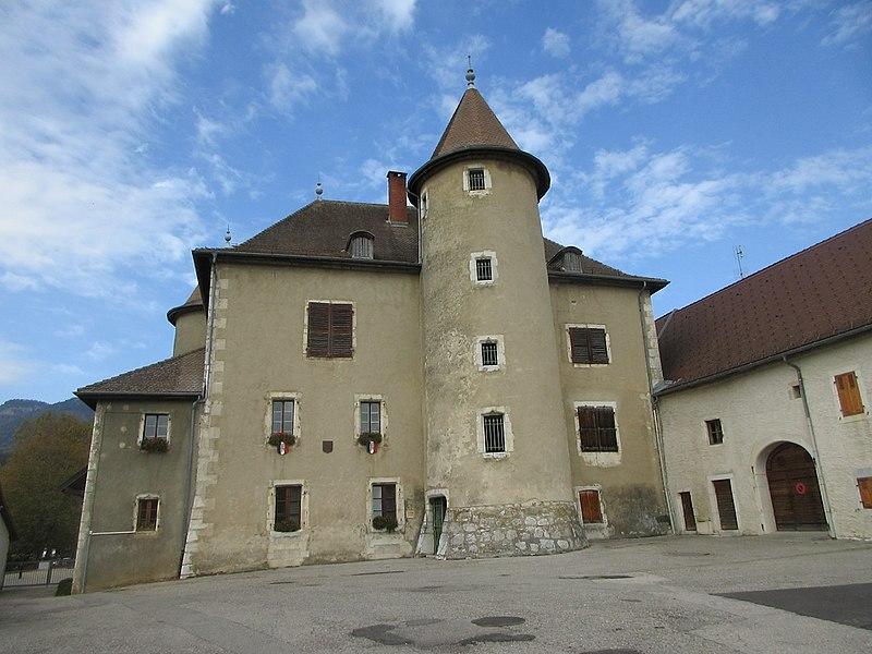 Photo du Monument Historique Château de Vesancy situé à Vesancy