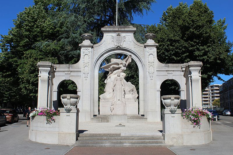 Photo du Monument Historique Monument aux morts situé à Bourg-en-Bresse