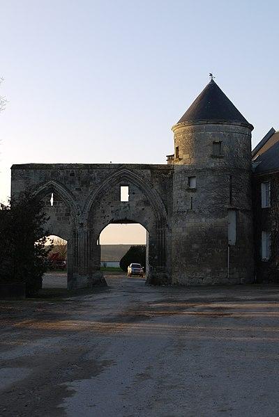 Photo du Monument Historique Ancienne ferme de la Perrière situé à Crouy