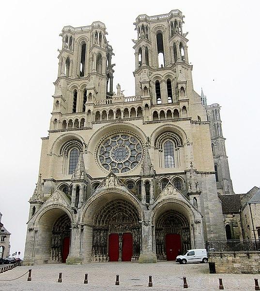 Photo du Monument Historique Ancienne cathédrale, actuellement église Notre-Dame, et cloître situé à Laon