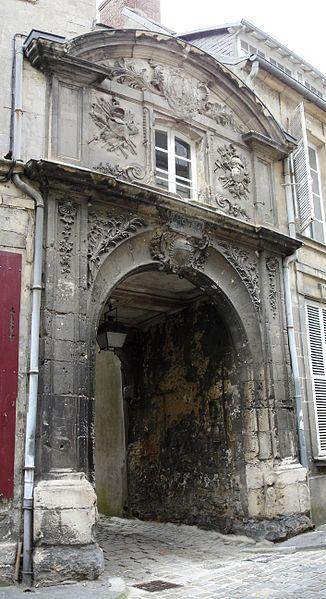 Photo du Monument Historique Ancien Hôtel de ville situé à Laon