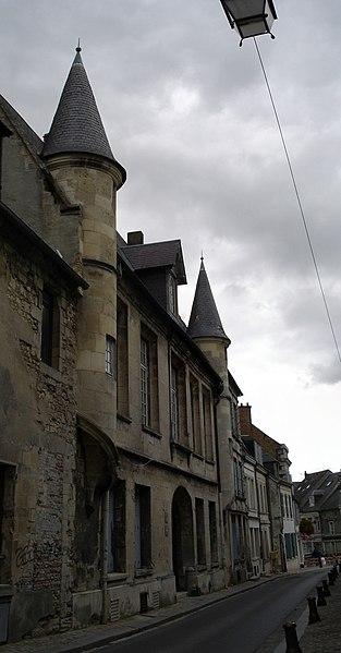 Photo du Monument Historique Maison dite le Petit-Saint-Nicolas, actuellement Direction départementale des Contributions indirectes situé à Laon