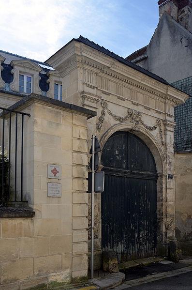 Photo du Monument Historique Maison (ancienne direction des PTT) situé à Laon