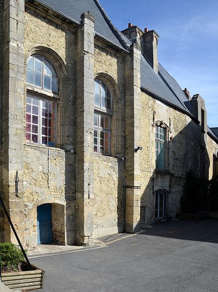 Photo du Monument Historique Ancien prieuré du Val-des-Ecoliers situé à Laon