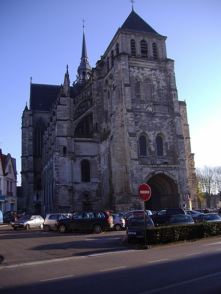 Photo du Monument Historique Ancienne collégiale Saint-Quentin situé à Saint-Quentin
