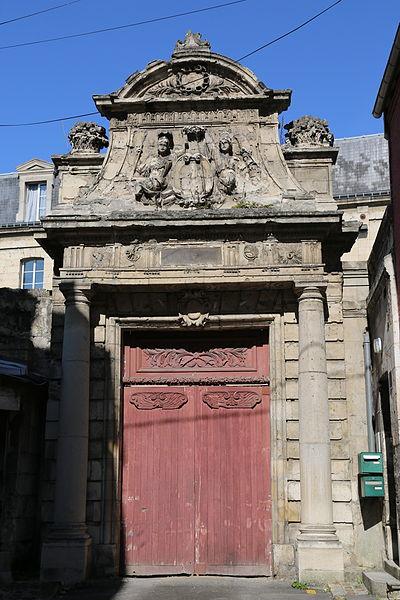 Photo du Monument Historique Collège situé à Soissons