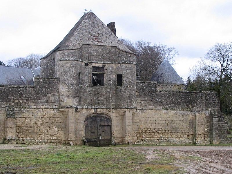 Photo du Monument Historique Château de Noue situé à Villers-Cotterêts