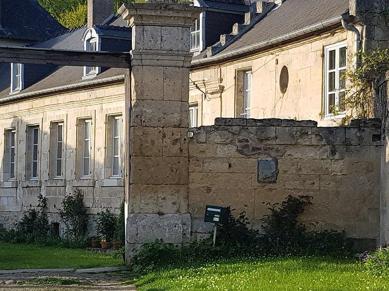 Photo du Monument Historique Vendangeoirs Hédouville et Cuzey situé à Bourguignon-sous-Montbavin