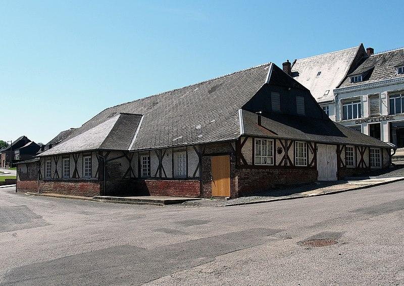 Photo du Monument Historique Halle situé à Plomion