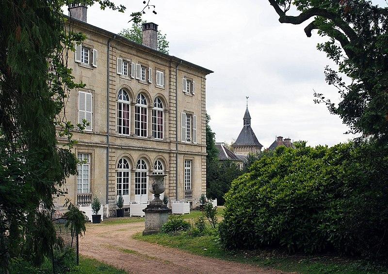 Photo du Monument Historique Château situé à Bourguignon-sous-Montbavin