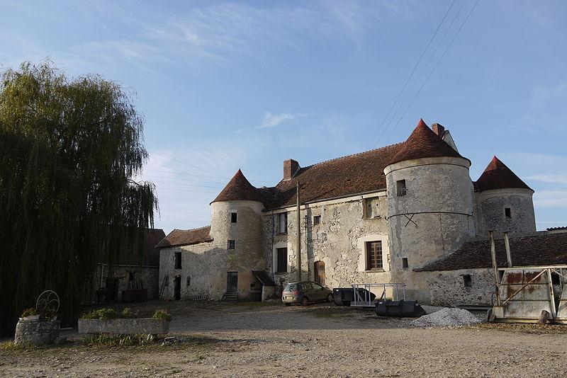 Photo du Monument Historique Maison forte dite Ferme de Villefontaine situé à Marchais-en-Brie