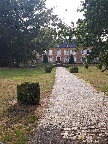 Photo du Monument Historique Château situé à Puisieux-et-Clanlieu
