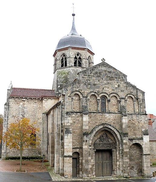 Photo du Monument Historique Eglise Saint-Martin situé à Bellenaves