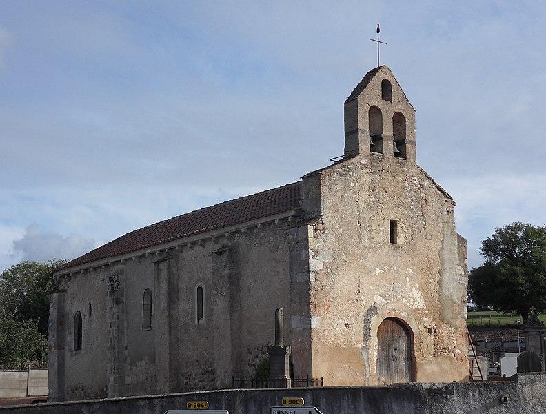 Photo du Monument Historique Eglise Saint-Pierre situé à Bost