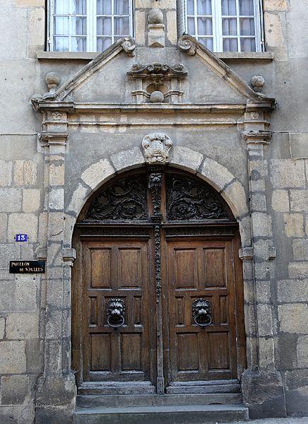 Photo du Monument Historique Hôtel Calemard situé à Bourbon-l'Archambault