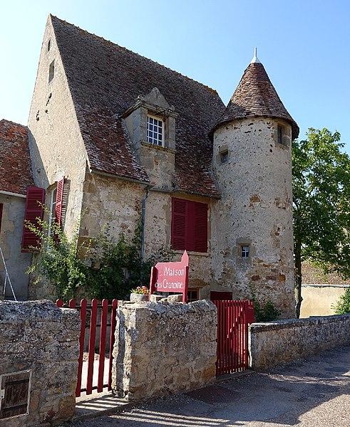 Photo du Monument Historique Maison situé à Bourbon-l'Archambault