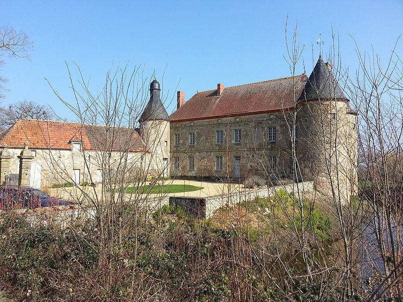 Photo du Monument Historique Château du Grand Coudray situé à Chappes