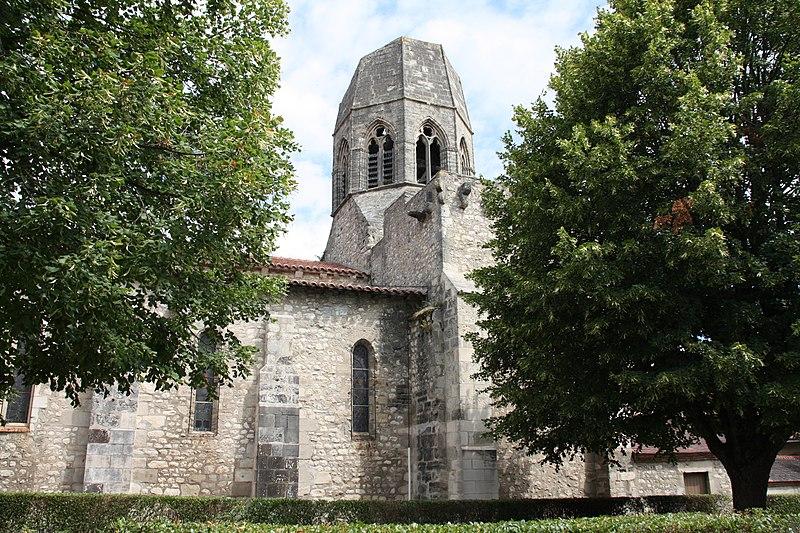 Photo du Monument Historique Eglise Saint-Jean-Baptiste situé à Charroux