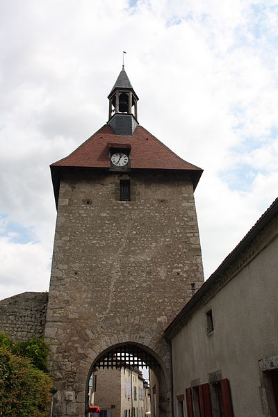 Photo du Monument Historique Porte d'Occident situé à Charroux