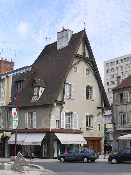 Photo du Monument Historique Maison situé à Cusset