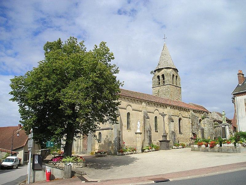 Photo du Monument Historique Eglise Saint-Denis situé à Deux-Chaises