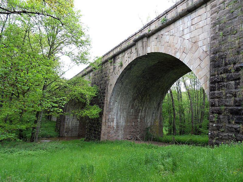 Photo du Monument Historique Pont de la vallée sur la rivière de l'Andan situé à Droiturier