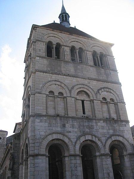 Photo du Monument Historique Eglise Saint-Léger situé à Ebreuil