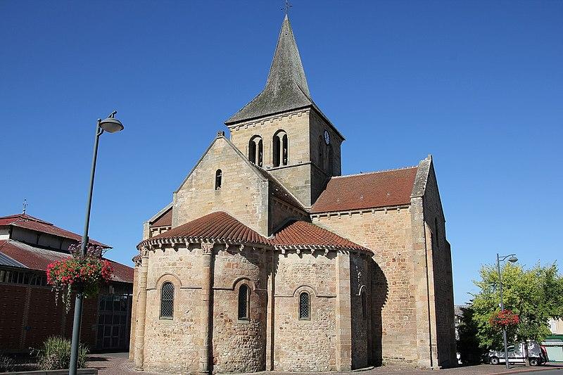 Photo du Monument Historique Eglise Saint-Martin situé à Lurcy-Lévis
