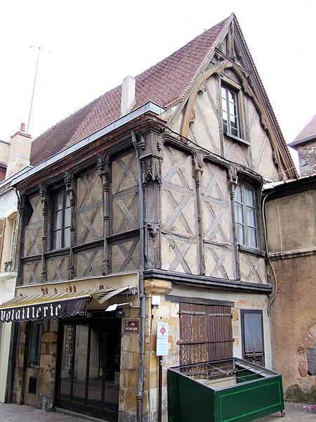 Photo du Monument Historique Maison situé à Montluçon