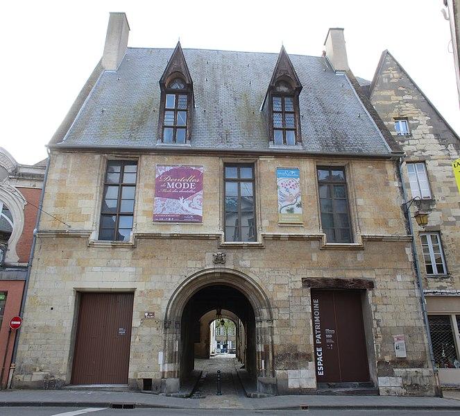 Photo du Monument Historique Hôtel Demoret et chapelle Babute situé à Moulins