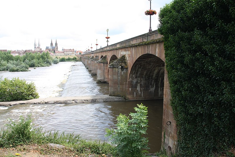 Photo du Monument Historique Pont de Regemortes situé à Moulins